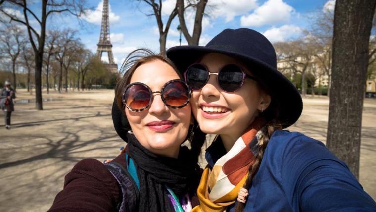 Jak zrobić dobre selfie: 10 sposobów na ładne zdjęcia