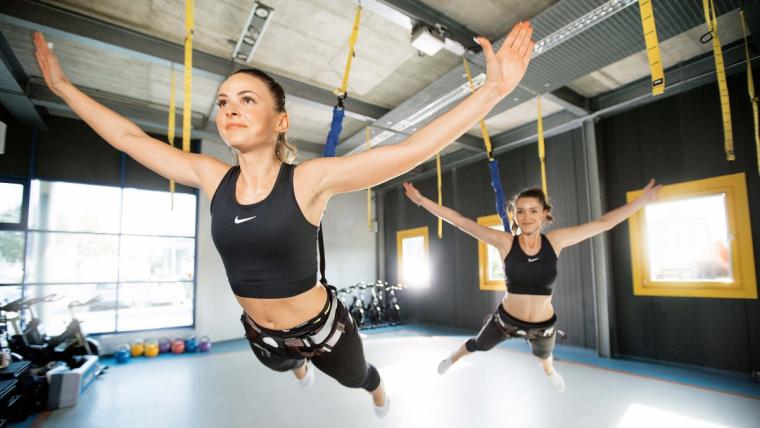 Nowa moda fitnessowa: namiastka nieważkości